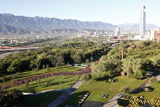 Corredores de Monterrey movieron la ciudad con la carrera Nike We Run 2013
