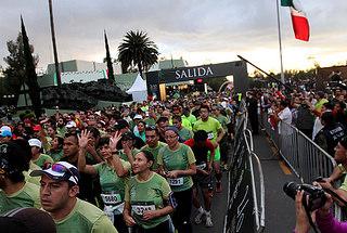"""Se realiza con éxito el 2do. Medio Maratón """"La Gran Fuerza de México"""""""