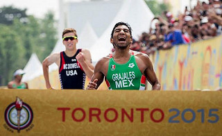 crisanto grajales gana oro para mexico triatlon toronto 2015