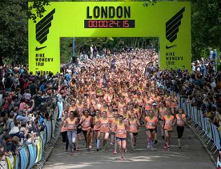 carrera nike womens 21K half marathon