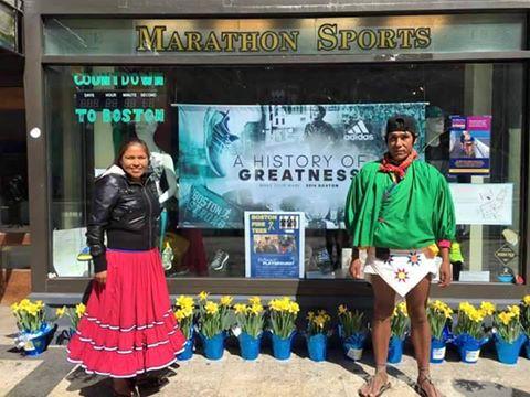 corredores tarahumaras raramuris en maraton de boston