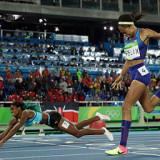 Shaunae Miller gana los 400 metros en final dramático