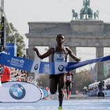Kenenisa Bekele gana en Berlín y se queda a unos segundos del récord mundial