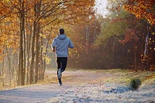 mantenerte activo corriendo fitness temporada navideña