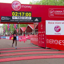 Wanjiru gana el Maratón de Londres, Keitany rompe récord