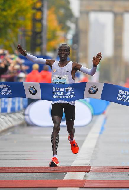 kipchoge maraton berlin resultados record mundial 2017