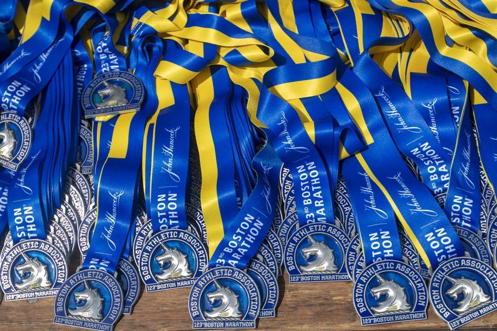 medalla maraton boston